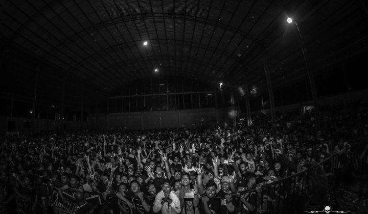 Para penonton gig Voice Hell yang didominasi kaum remaja (Foto: Dokumentasi Voice Hell)