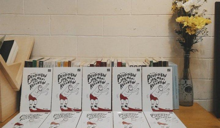 """Buku """"Pendidikan Jasmani dan Kesunyian"""" karya Beni Satryo. (Gambar dari ardiwilda.com)"""