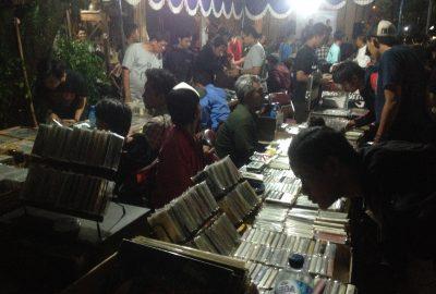 Keramaian Cassette Store Day Yogyakarta 2016. (Foto: Ferdhi Putra/Serunai)