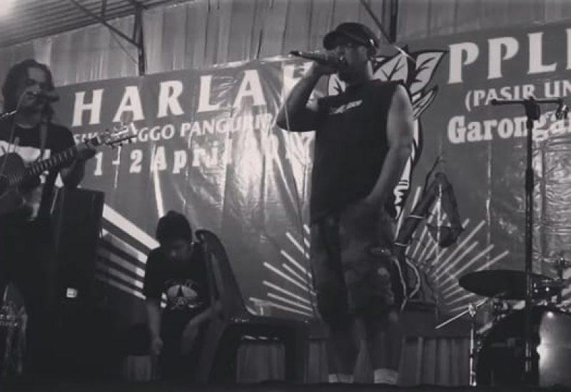 Senartogok dan Ucok Homicide di panggung Kulon Progo (Foto; Alfian Putra)