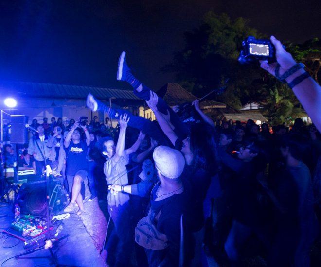 Penampilan Marsmolys di Konser Pelarungan Album Splitual (Serunai; Dokumentasi Splitual)